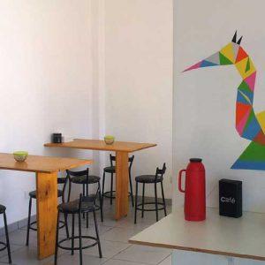 cafe-cozinha-moveis-ecologicos-recolucion-papel-estrutura-escritorio-uberlandia-coworking-sala-comercial-reunioes-treinamentos-www.uberlandia.co-trainning-meeting-room