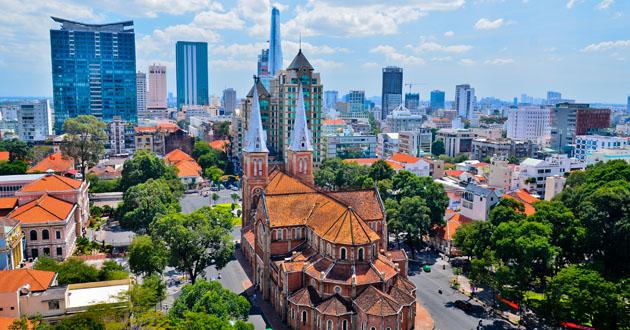 Chiang Mai vs. Saigon: Who Coworks Better?