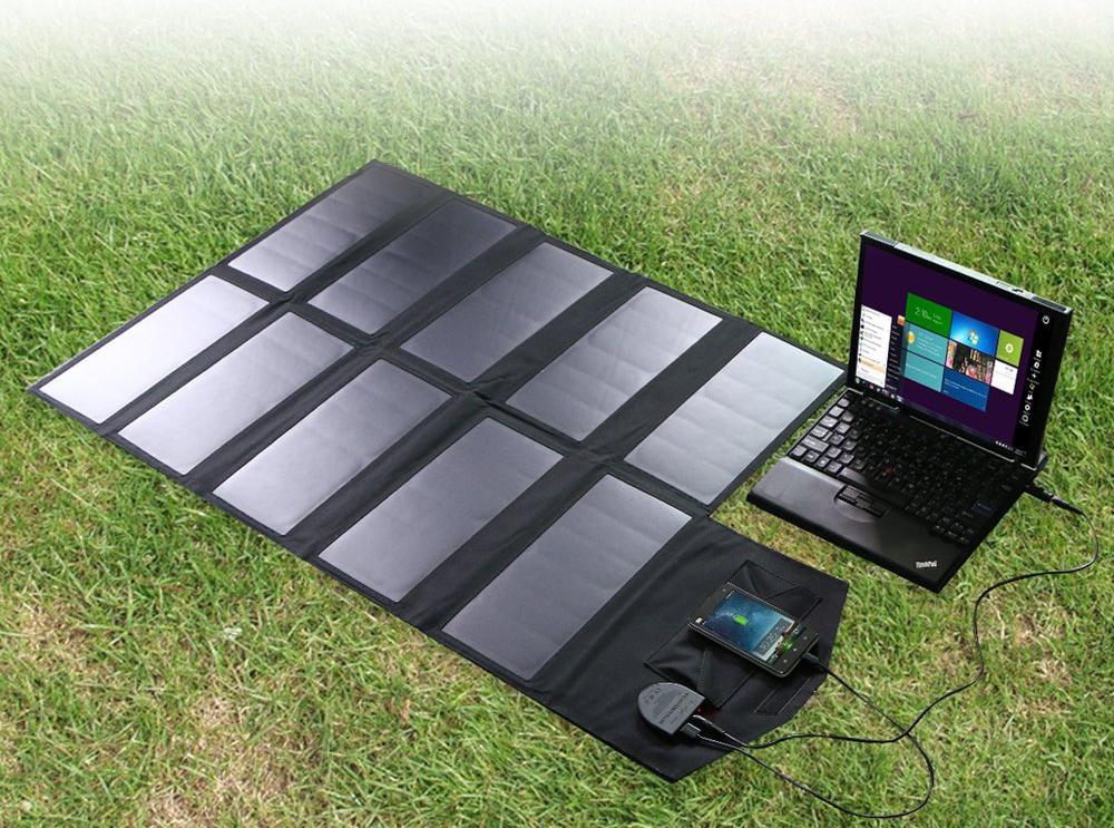 digital-nomad-solar-panel