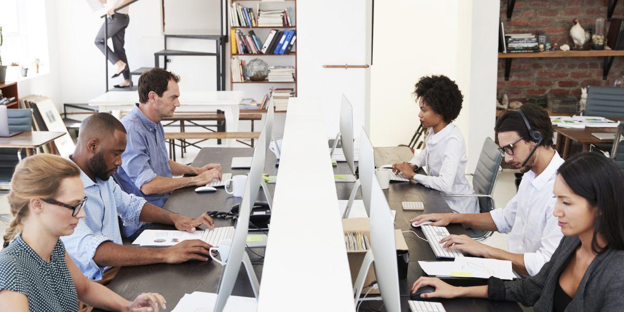 6 Hot Desking Hacks for Your Office